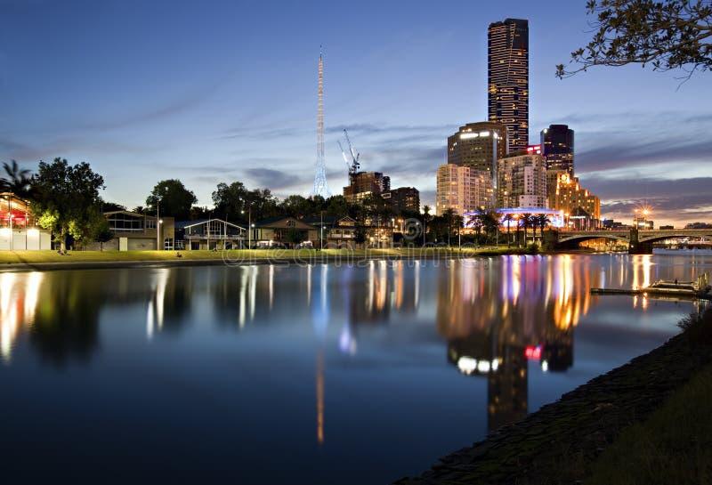 Melbourne en el crepúsculo fotos de archivo
