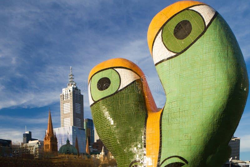 Melbourne et sculpture Ophélie dans le premier plan image stock