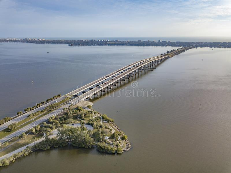 Melbourne Florida vägbankbro royaltyfria bilder