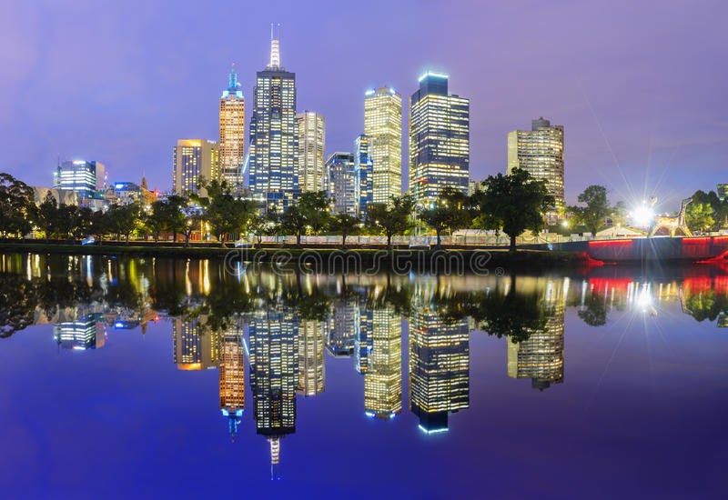 Melbourne linii horyzontu panorama przy zmierzchem fotografia royalty free