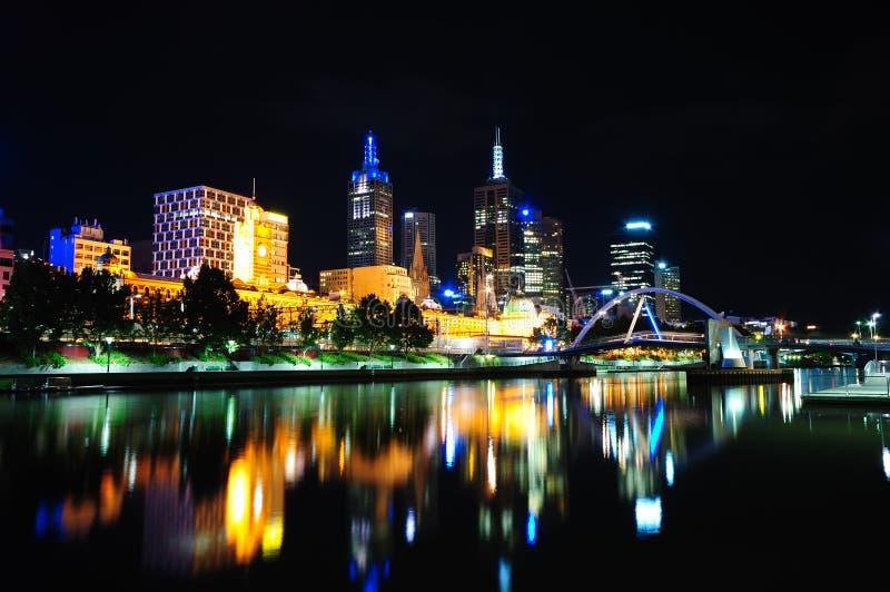 Melbourne na noite fotos de stock royalty free