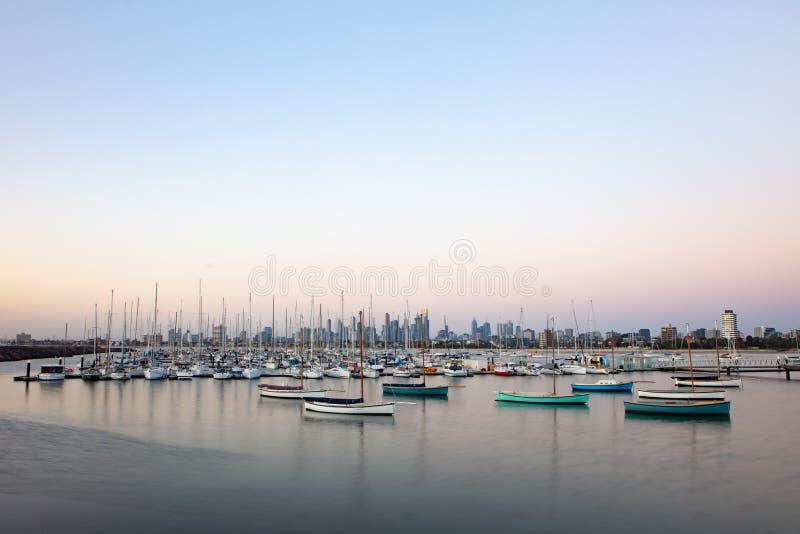 Melbourne-Sommer-Sonnenuntergang stockfoto