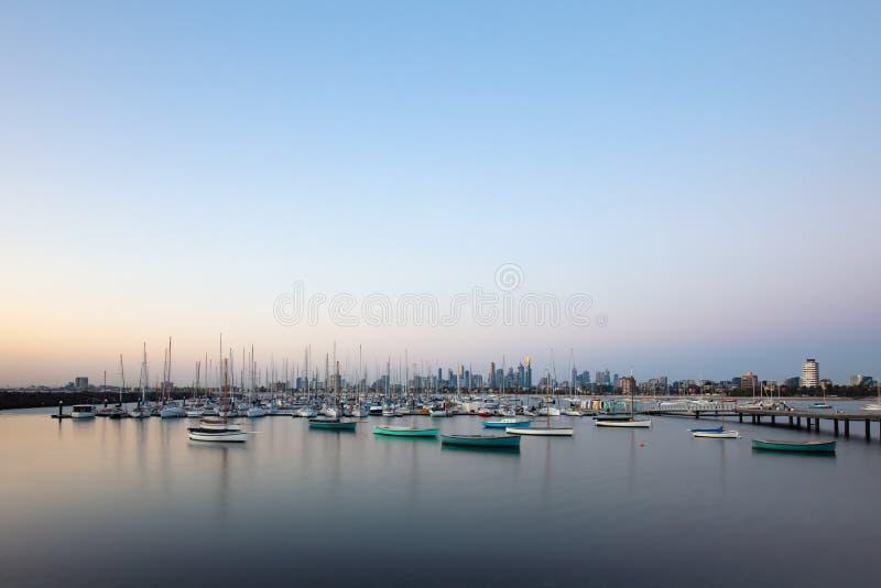 Melbourne-Sommer-Sonnenuntergang stockbilder