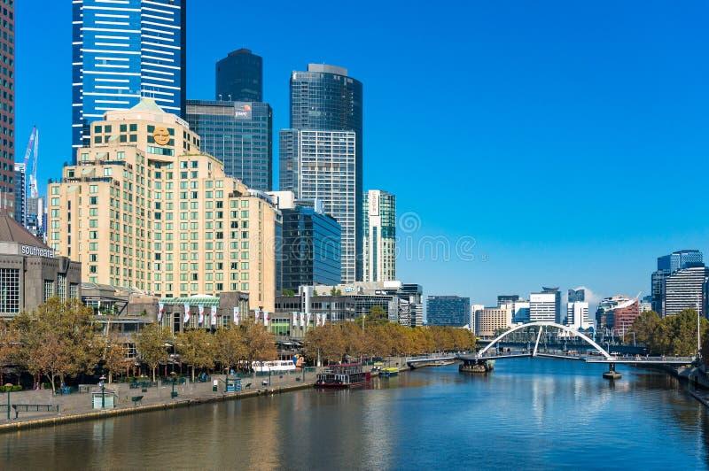 Melbourne Southbank pejzaż miejski z Eureka wierza na słonecznym dniu obrazy stock