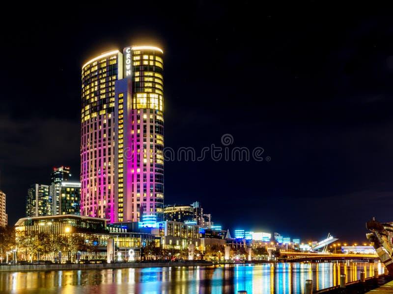 Melbourne, VIC/Australia- 10 de mayo de 2018: Edificio de la torre del casino de la corona en Southbank foto de archivo