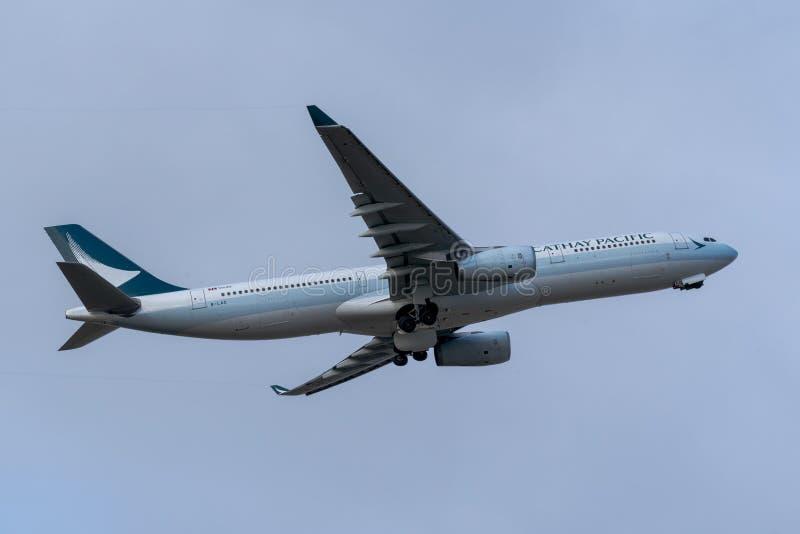 Melbourne, Victoria, Austrália - 21 de maio de 2018: Cathay Pacific Airbus A330 foto de stock royalty free