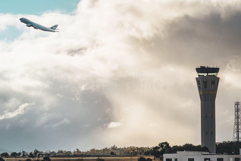 Melbourne, Victoria, Austrália - 21 de maio de 2018: Cathay Pacific Boeing 747-800 fotos de stock royalty free