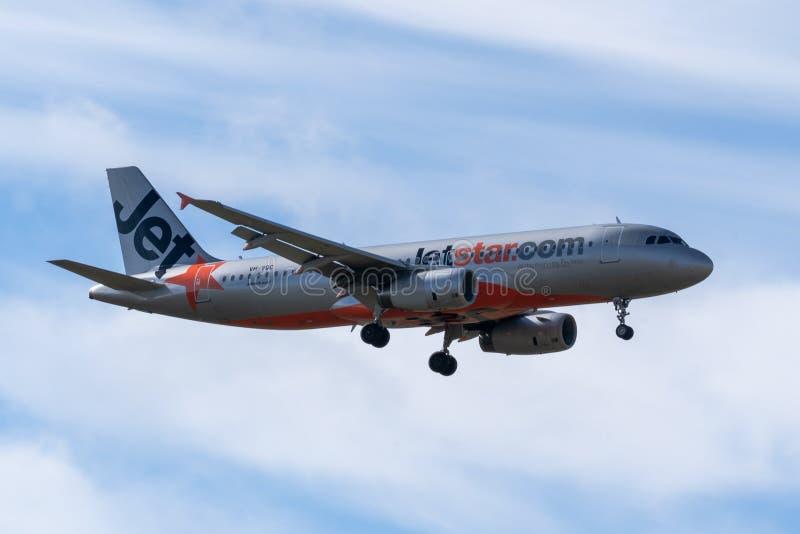 Melbourne, Victoria, Austrália - 21 de maio de 2018: Jetstar Airways Airbus A320 foto de stock