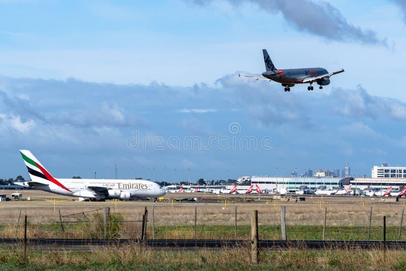 Melbourne, Victoria, Austrália - 21 de maio de 2018: Jetstar Airways Airbus A320 imagens de stock