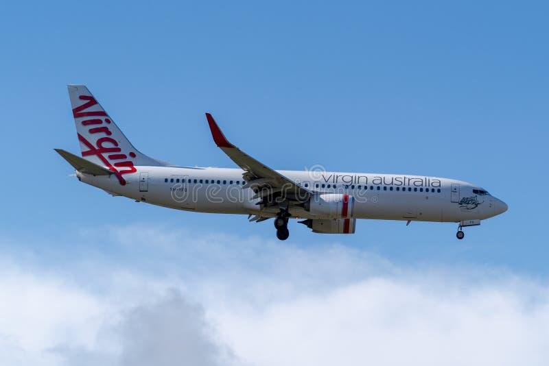 Melbourne, Victoria, Austrália - 21 de maio de 2018: Virgin Austrália Boeing 737 fotos de stock royalty free