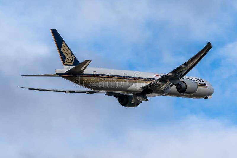 Melbourne, Victoria, Australia - 21 de mayo de 2018: Singapore Airlines Boeing 777 fotografía de archivo libre de regalías