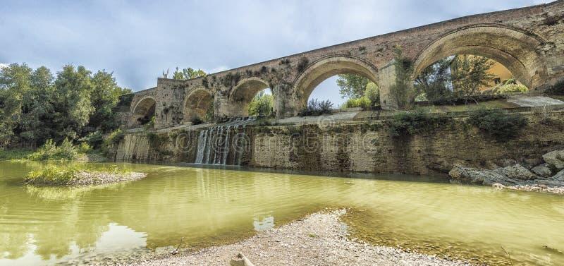 Meldola, Italien, Detail der historischen Brücke lizenzfreies stockfoto