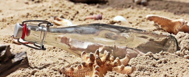 Meldung In Einer Flasche Auf Sand Kostenlose Öffentliche Domain Cc0 Bild