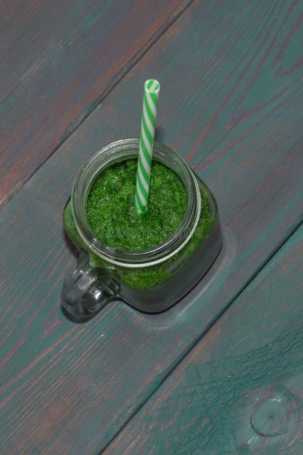Mele mature e succose - rosso e verde Alimento naturale Frutta e verdure Cibo sano prodotti di forma fisica Dieta smoothies fotografia stock libera da diritti
