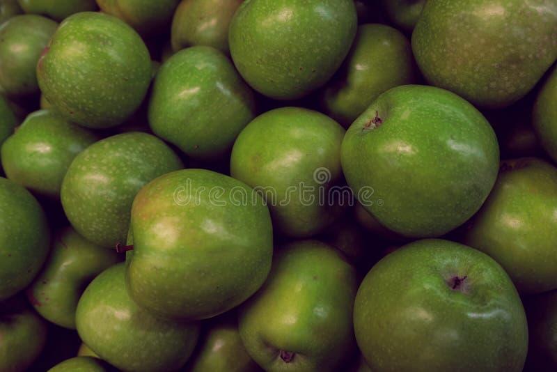 Mele verdi così succose e graziose per pranzo immagini stock libere da diritti