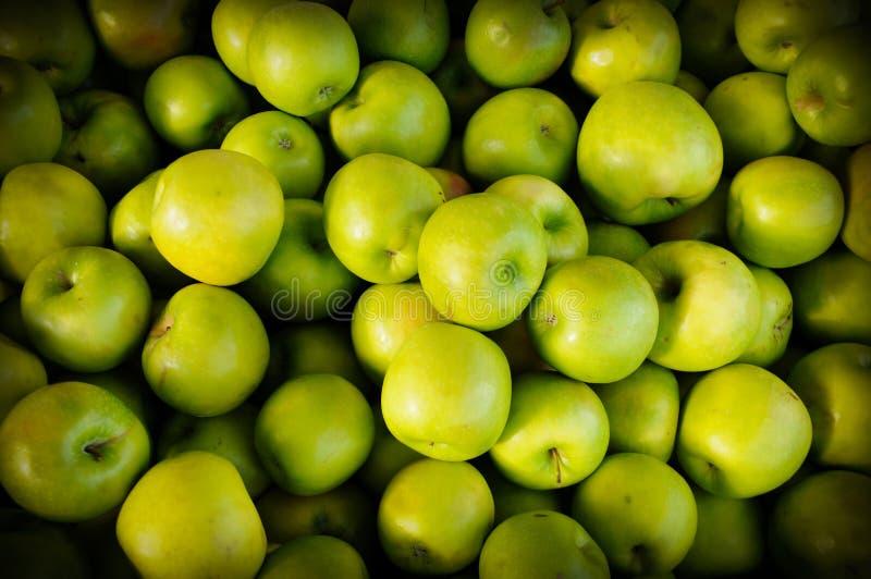 Mele verdi organiche immagine stock libera da diritti
