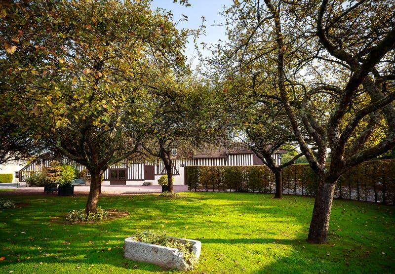 Meleto nel villaggio del Calvados, Normandia, Francia fotografia stock libera da diritti
