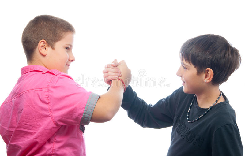Melhores amigos que agitam as mãos imagens de stock