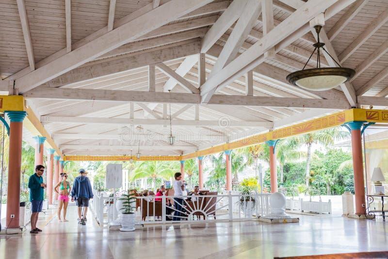 Melia Las Duna Lobby Hotal em Cayo Santa Maria, Cuba fotografia de stock royalty free