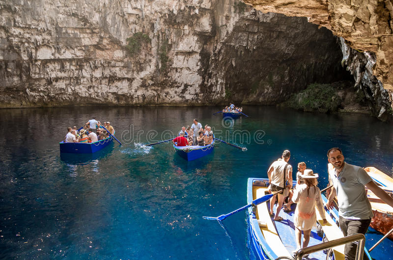 Melisani See in Melissani-Höhle stockfotografie