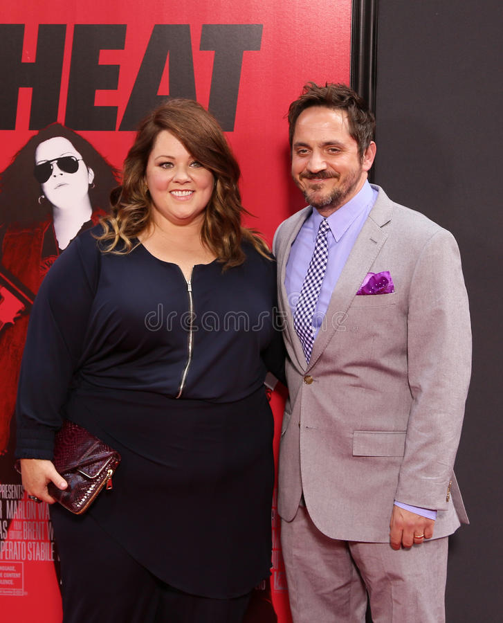 Melissa McCarthy et Ben Falcone image stock