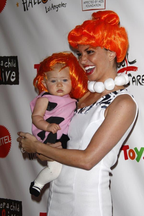 Melisse Ryecroft, Tochter Ava, das kommt zu dem 18. jährlichen ?Traumhalloween Los Angeles? lizenzfreie stockfotografie