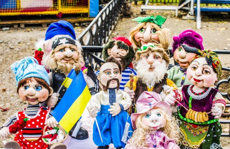 Melitopol-Stadt am 14. Oktober 2017 Gesamt-ukrainische Ausstellung von Puppen stockfotografie