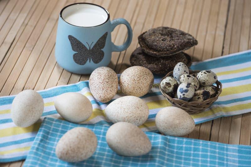 Melk, brood, eieren stock afbeelding