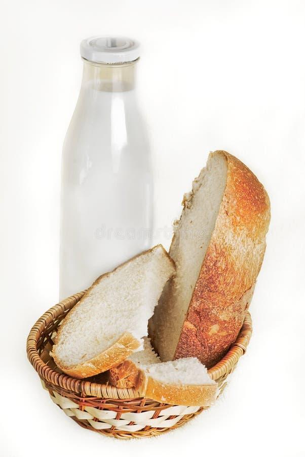 Melk en brood stock afbeelding