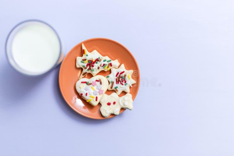 Melk en Koekjes voor Kerstman royalty-vrije illustratie