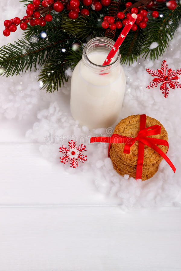 Melk en Koekjes voor Kerstman royalty-vrije stock fotografie