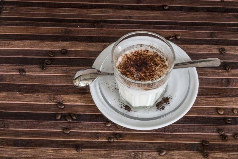 Melk met cacao stock foto