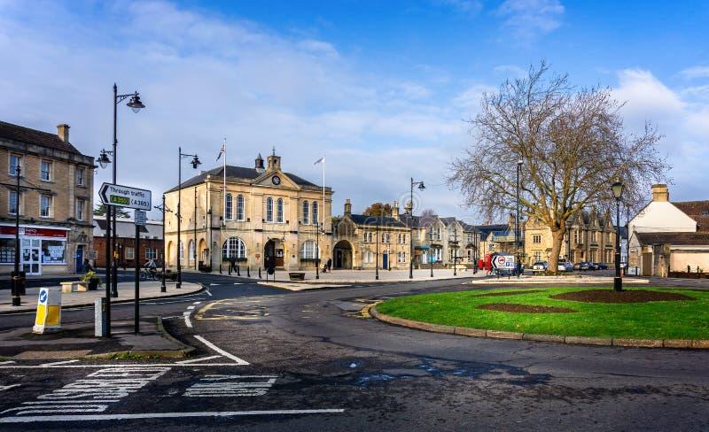 Melksham stadskärna och stadshus i Melksham, Wiltshire, UK royaltyfria bilder