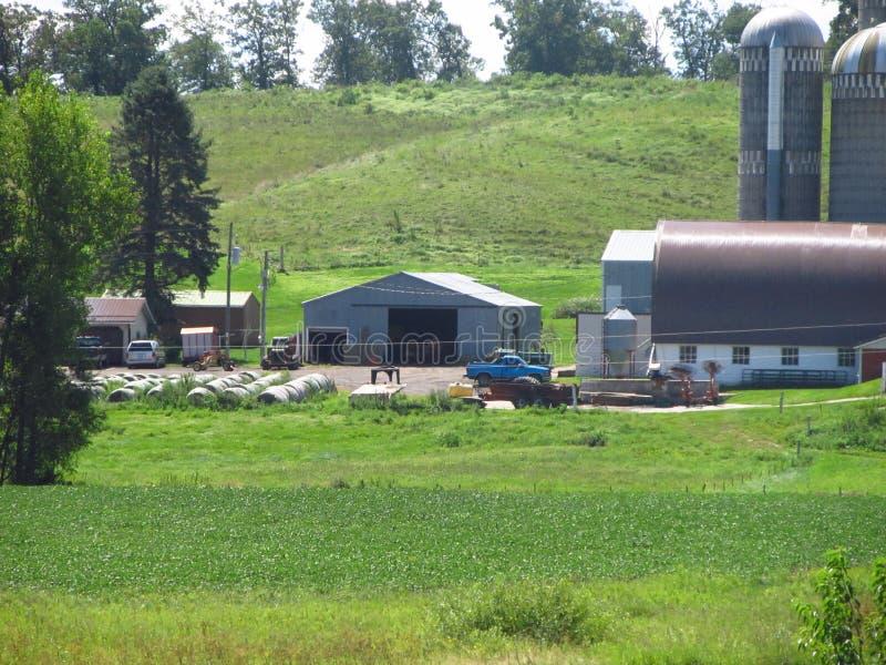 Melkveehouderij in Wisconsin royalty-vrije stock foto's