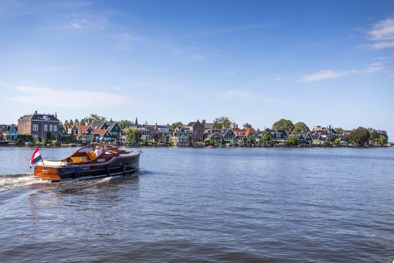 Melkweg bro i Purmerend, Nederländerna arkivbild