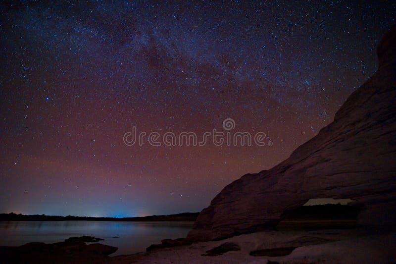 Melkwegmelkweg en Sterren in Nachthemel royalty-vrije stock foto