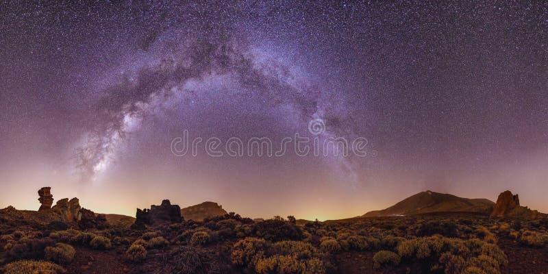Melkwegstelsel op Tenerife Canarische Eilanden Foto met hoge resolutie stock foto's