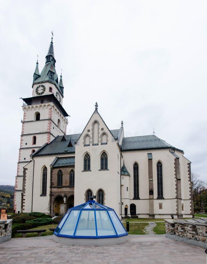 Mellersta ålderkyrka som byggs av tyska nybyggare i Mitt-Europa royaltyfria foton