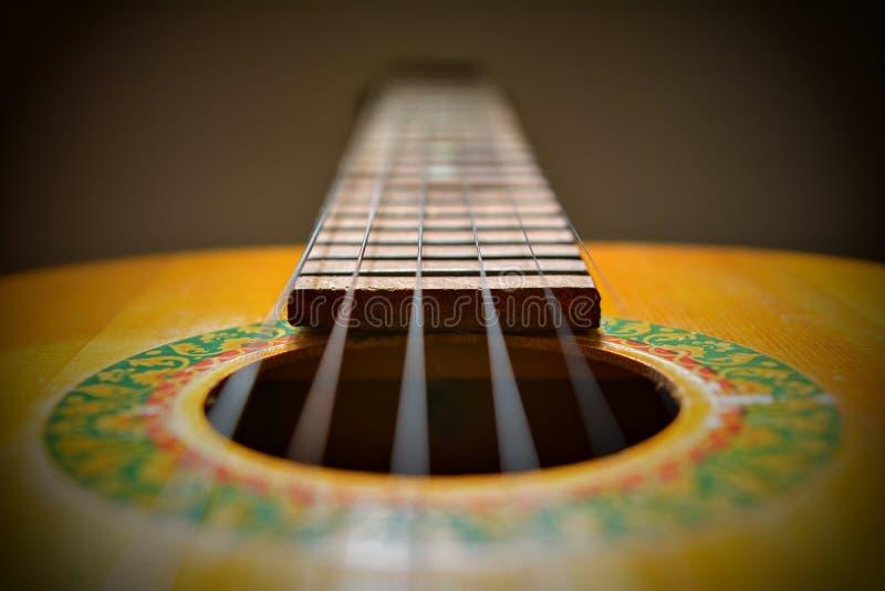 Melodia di vecchia chitarra d'annata fotografia stock libera da diritti