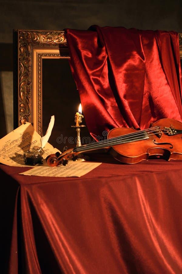 Melodie für eine Violine lizenzfreie stockbilder