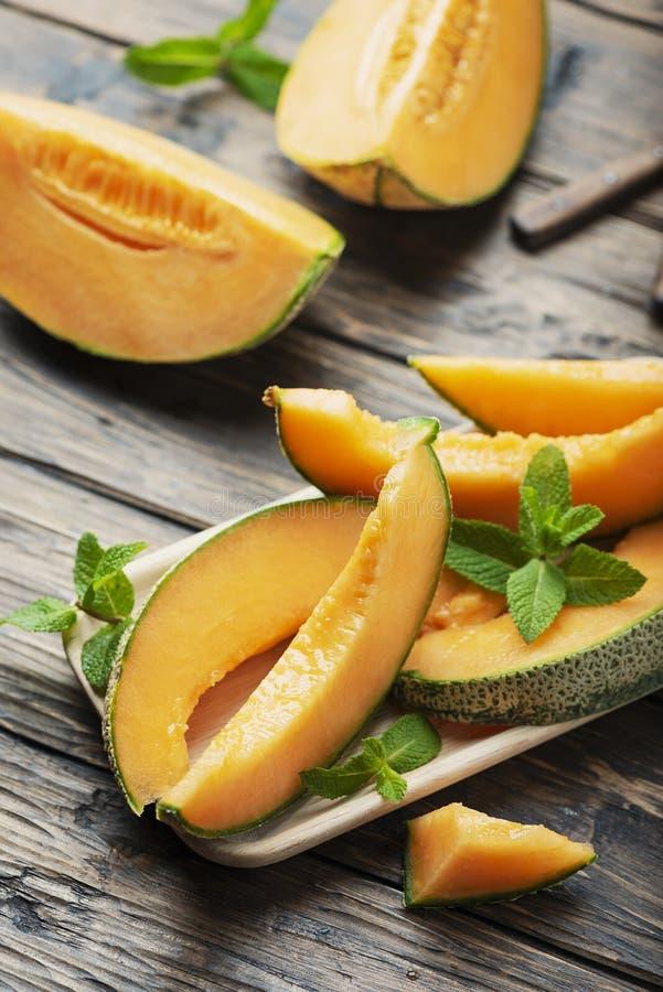 Melon frais jaune doux images stock