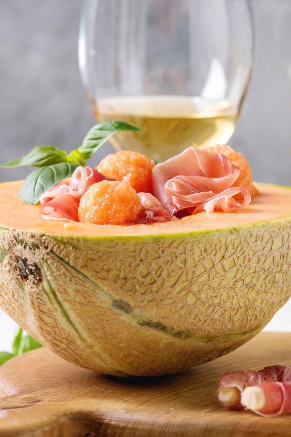 Melonu i baleronu sałatka zdjęcie royalty free