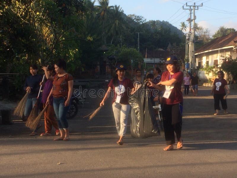 Membersihkan desa Gotong royong στοκ εικόνα