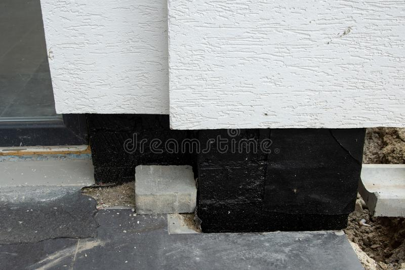 Membrana waterproofing de Oncrete para paredes subterrâneas do porão foto de stock royalty free
