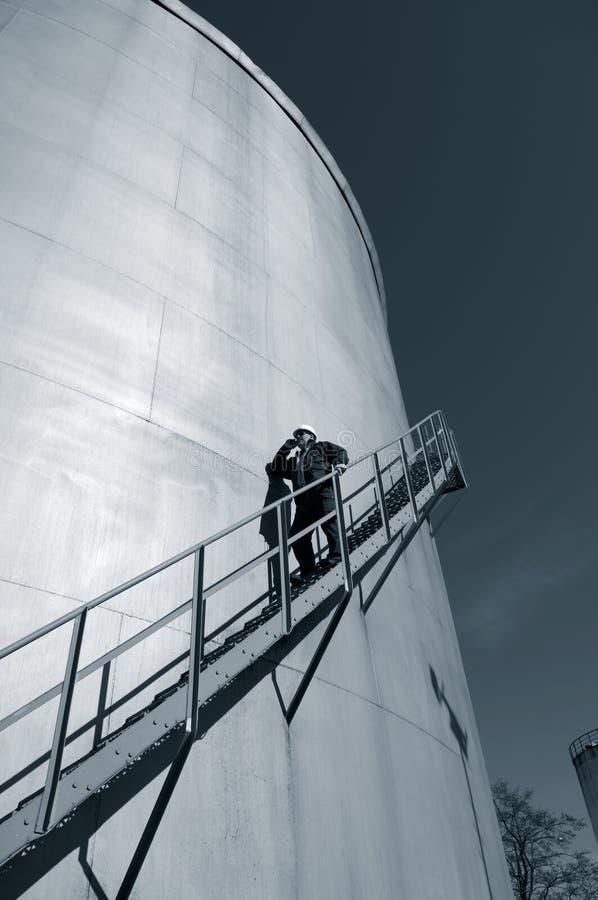 Memoria del serbatoio di combustibile e dell'assistente tecnico fotografia stock libera da diritti