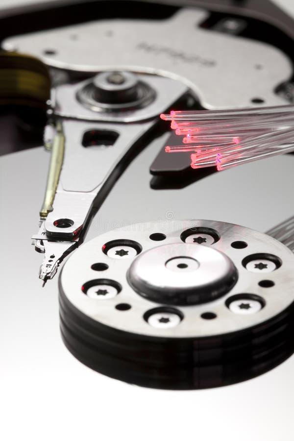 Memoria e primo piano verticale a macroistruzione di ottica delle fibre immagine stock