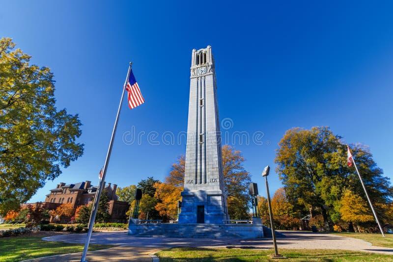 Memorial Belltower na NCSU imagem de stock royalty free