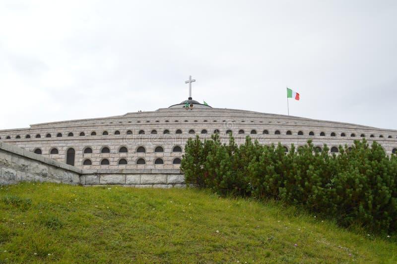 Download Memorial Da Guerra Mundial 1 Sobre Monte Grappa, Itália Imagem de Stock - Imagem de monte, hungarian: 65580691