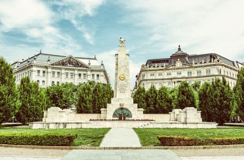Memorial de guerra soviético em Budapest, Hungria, filtro verde imagem de stock