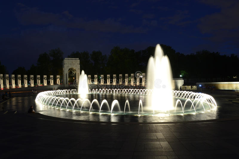 Memorial de WW II na noite fotografia de stock royalty free